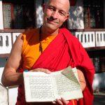 Som munk i klosteret i Nepal.