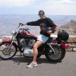 På Harley Davidson igennem Nevada-ørkenen. Her ved Grand Canyon på vej til Las Vegas.