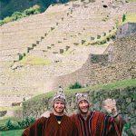 Ved vejs ende. Har vandret flere døgn på Inkastien i Andesbjergene i Peru, og er nu kommet til Machu Picchu.