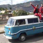 """På vej til """"The Smiling Day"""". Et stort anlagt show i Honduras, der blev transmitteret til flere milioner tv-seere i Latin-Amerika."""