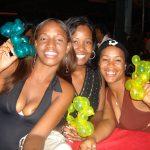 Trylleshows hos narkoprostituerede i Caribien.