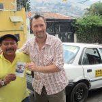 Tino The Taxadriver - som taxachauffør i verdens farligste land, bliver man tvunget til at betale beskyttelsespenge til de kriminelle bander. Tinos søn nægtede. Han blev kidnappet, bagbundet, skudt, brændt og til sidst smidt i floden. Men Tino køre stadig sin taxa.