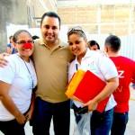 Menneskerettighedsadvokaten Josue Murillo der stod for åbningstalen. Her i selskab med to af de mange frivillige til arrangementet.